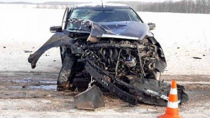 Влобовом столкновении под Рязанью пострадал водитель иномарки