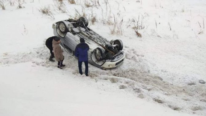 Нелепая смерть водителя иномарки вКасторенском районе