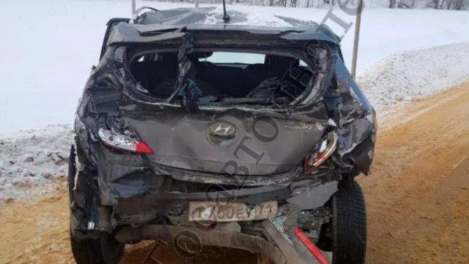 Внеравном поединке сошлись грузовой илегковой Hyundai вТульской области