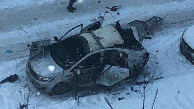 Взрыв газа уничтожил иномарку в Янино-1