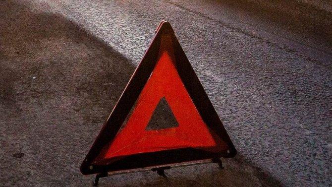 В Петербурге в ДТП погиб водитель «Газели» коммунальных служб