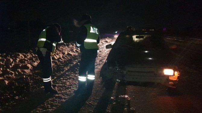 Водитель ВАЗа вЕкатеринбурге насмерть сбил пешехода натемной дороге