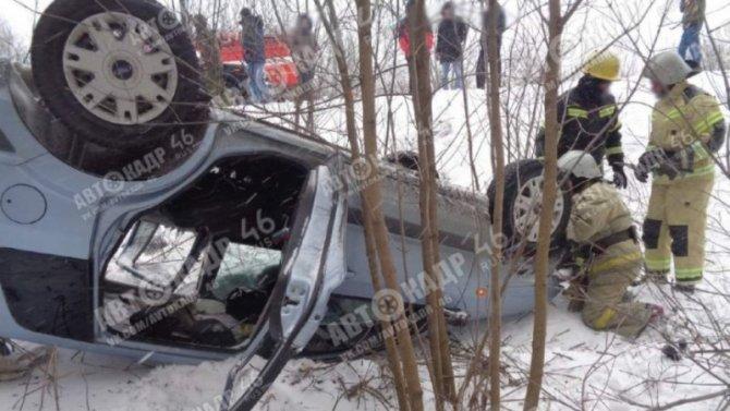 Понадобилась помощь спасателей, чтобы деблокировать пострадавшего вКурской области