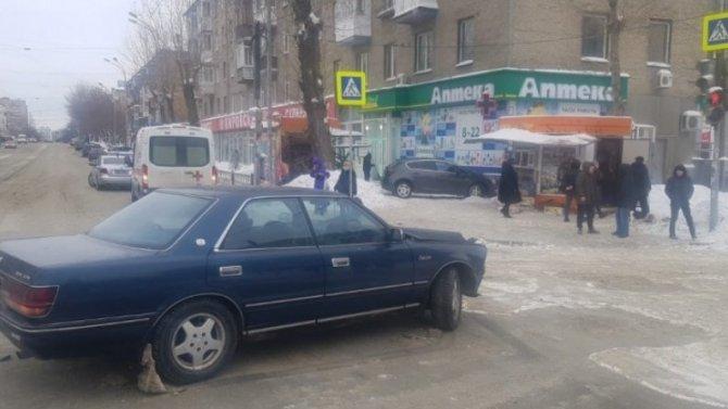 Травму позвоночника получила пенсионерка вЕкатеринбурге отнаезда «Тойоты»