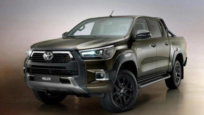 ВРоссии появилась бензиновая версия Toyota Hilux