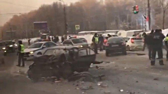 Два человека погибли в ДТП на проспекте Гагарина в Нижнем Новгороде