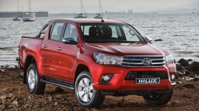 Удвух моделей Toyota выявлена проблема стормозами
