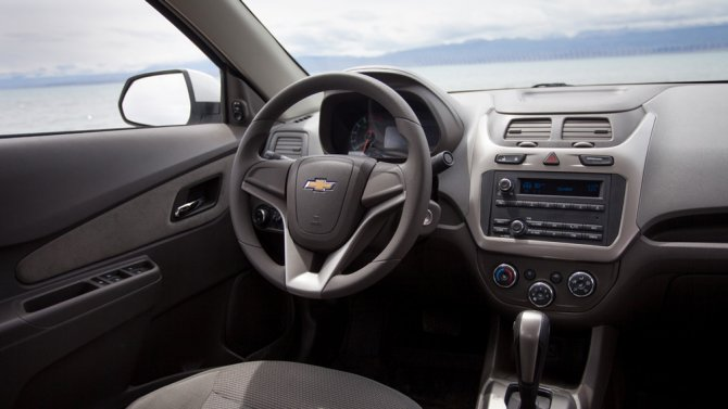 1 Chevrolet Cobalt салон
