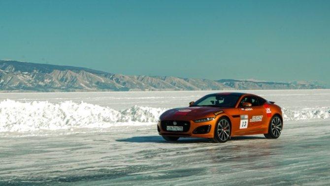 Jaguar установил рекорд скорости на льду Байкала