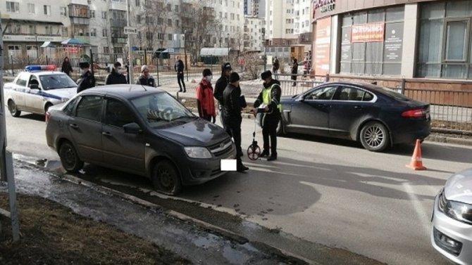 В Екатеринбурге насмерть сбили женщину