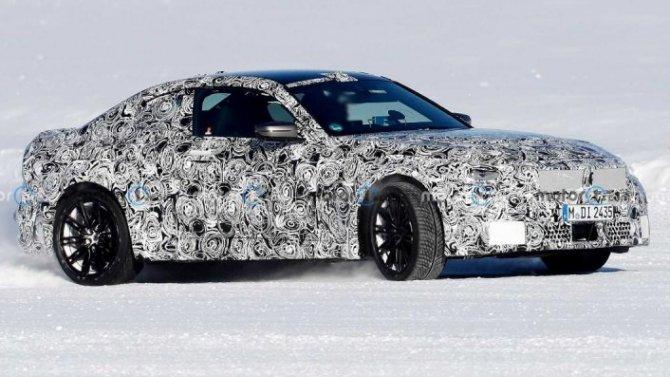 Надорогах появились прототипы обновлённого купе BMW M2