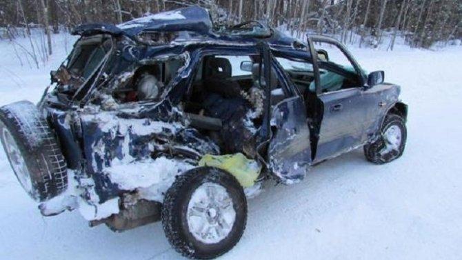 Пассажирка иномарки погибла в ДТП с самосвалом в Костромской области