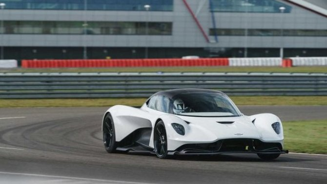 Aston Martin может отказаться отмотора Valhalla