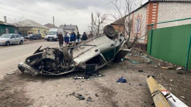 В Воронежской области опрокинулась иномарка – водитель погиб