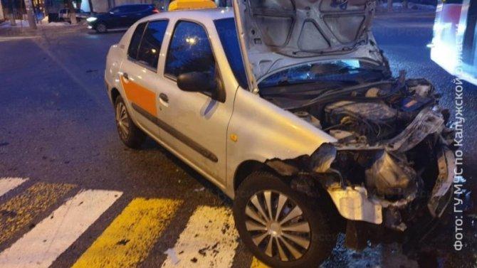 Два человека пострадали в ДТП в Калуге