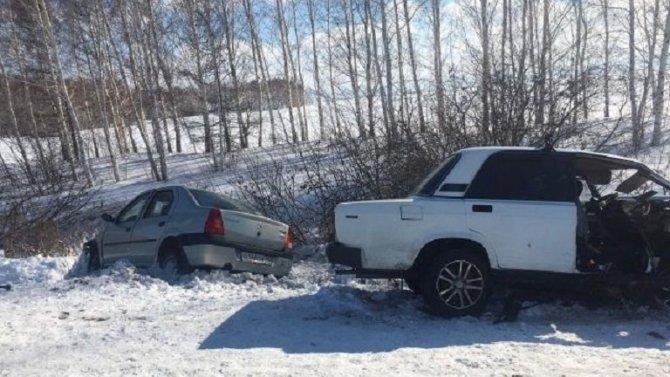 В ДТП в Омской области погиб пассажир иномарки