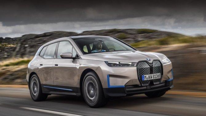 Представлена новая «мультимедийка» BMW iDrive