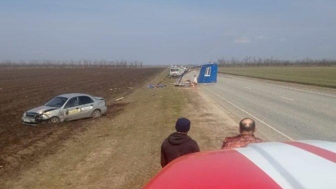 НаСтаврополье на автомобиль прилетел унесенный ветром дом