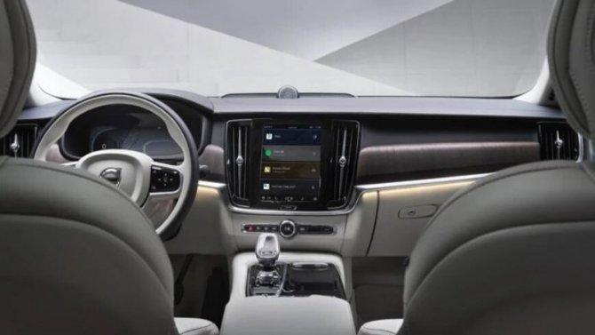 Автомобили Volvo получили модернизированную мультимедийную систему