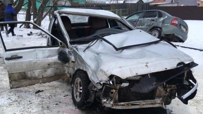 В Тамбовской области 14-летний подросток за рулем ВАЗа устроил ДТП с пострадавшими