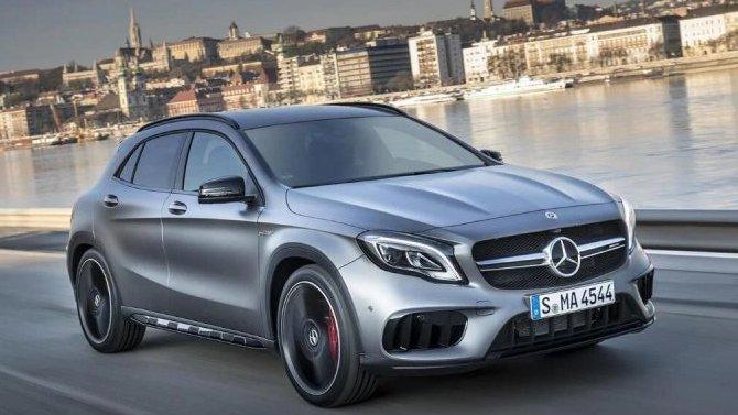 Укроссоверов Mercedes-Benz GLA неисправны подушки безопасности
