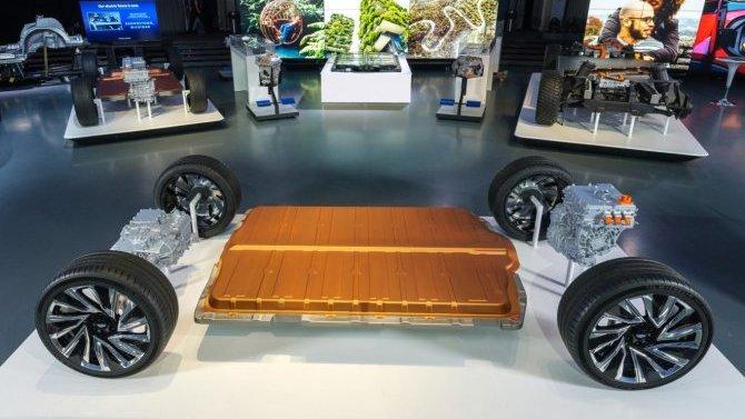 Какие аккумуляторы получат электромобили General Motors