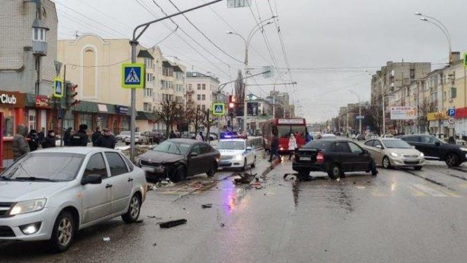 Двое маленьких детей пострадали в ДТП в Тамбове
