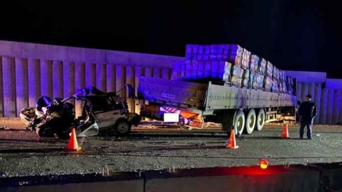 На Ставрополье в ДТП с КамАЗом погиб водитель легковушки