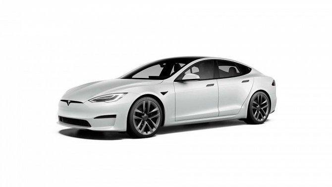 Отложено начало продаж «заряженной» версии Tesla Model S