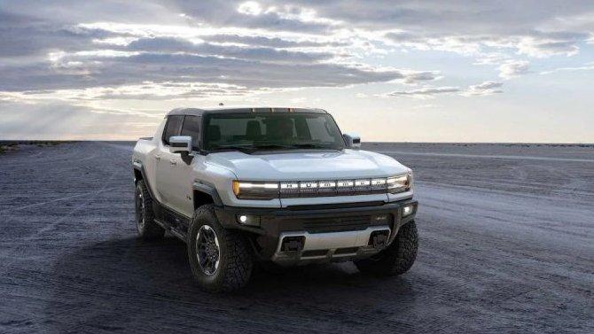 В General Motors похвастались внедорожными возможностями электропикапа GMC Hummer EV
