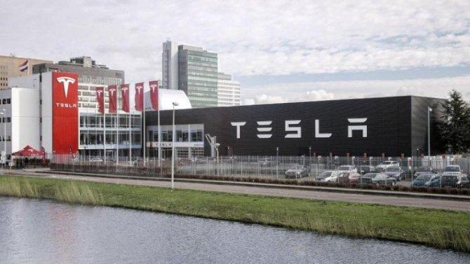 ВЕвропе рухнули продажи электромобилей Tesla