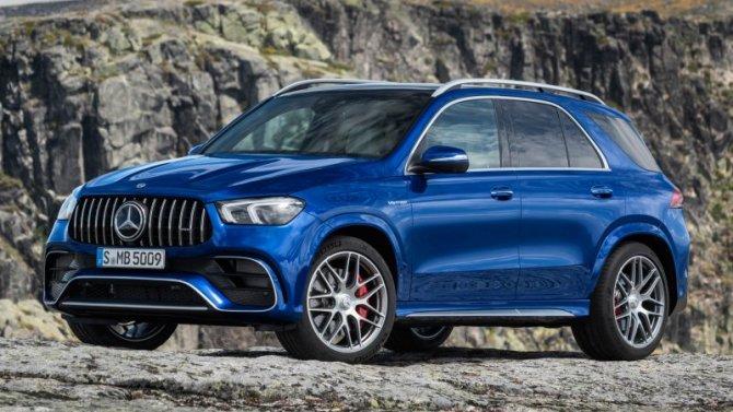 Снизились российские продажи Mercedes-Benz