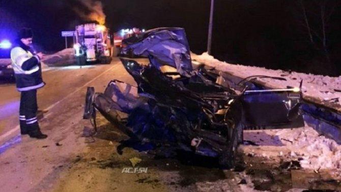 Под Новосибирском в ДТП погиб водитель ВАЗа
