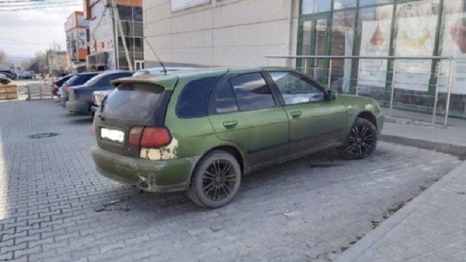 В Волгограде парень без прав сбил пешехода и скрылся