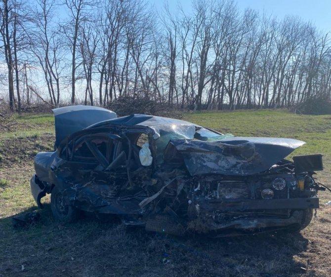 Водитель иномарки погиб в ДТП в Ставропольском крае (2)