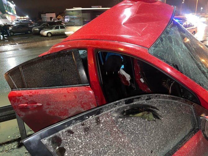 В Нижневартовске иномарка врезалась в столб – водитель погиб (2)