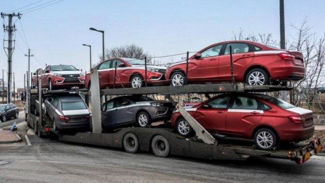 Каков объём экспорта автомобилей изРоссии?