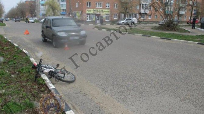 В Ефремове автомобиль сбил 10-летнего велосипедиста
