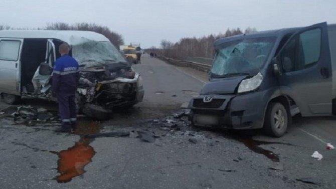 Два человека пострадали в ДТП под Омском