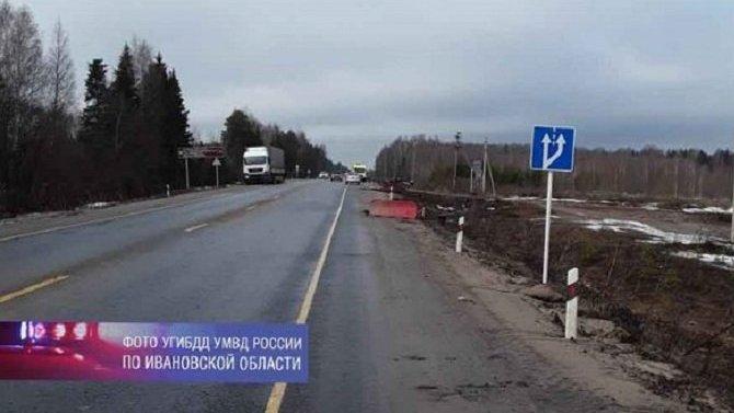 В ДТП с фурой в Ивановской области погиб человек
