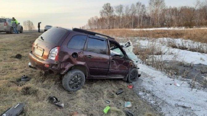 Водитель «Лады» погиб в ДТП в Омской области