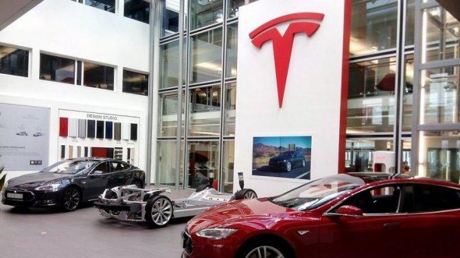 Фирма Tesla продала рекордное число электромобилей