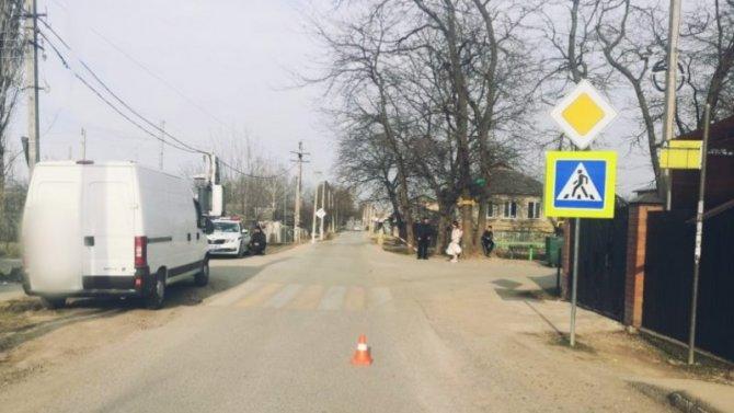 В Пятигорске фургон сбил подростка на переходе