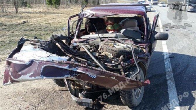 Два человека погибли в ДТП с грузовиком в Переславском районе