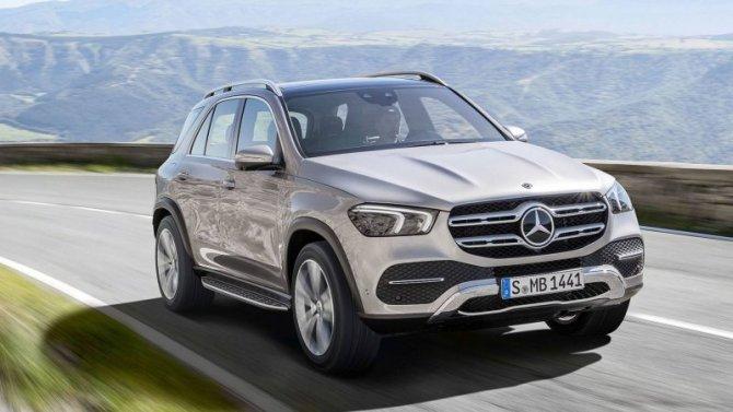Укроссоверов Mercedes-Benz выявлена проблема с«приборкой»
