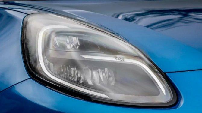 Ford тестирует инновационные фары