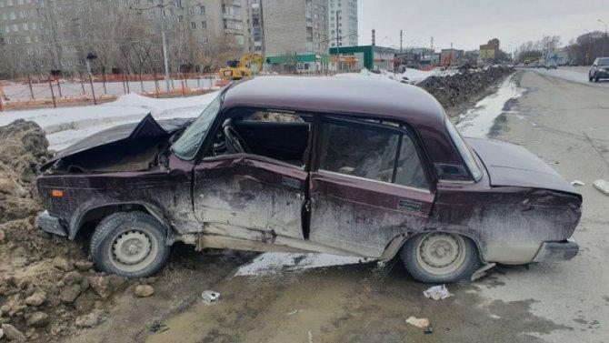 Пожилой водитель пострадал в ДТП в Ленинском районе Новосибирска