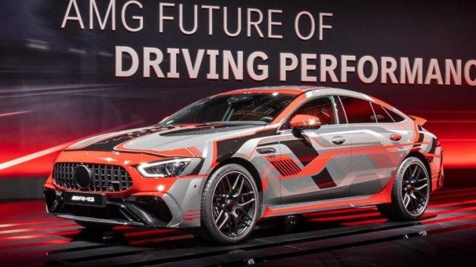 Гибридные Mercedes-AMG будут сами заряжать cвои аккумуляторы