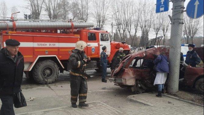 Два человека погибли в ДТП в Ленинском районе Новосибирска
