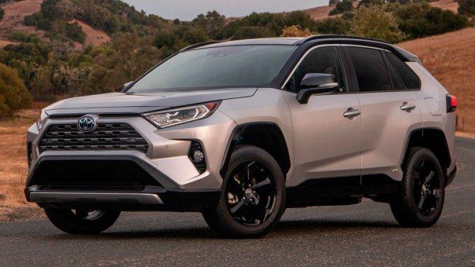 Пересмотрены российские цены наавтомобили Toyota